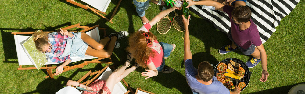 Top Tips on Hosting a Family Garden Party This Summer